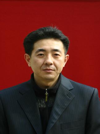张卫东:总务处主任