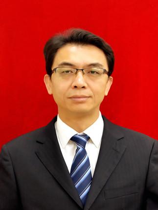 王伟:德育处主任
