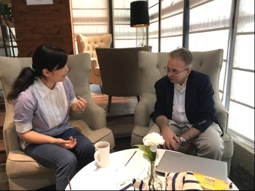 法国驻华大使馆文化教育处官员Didier Tenet访问我校
